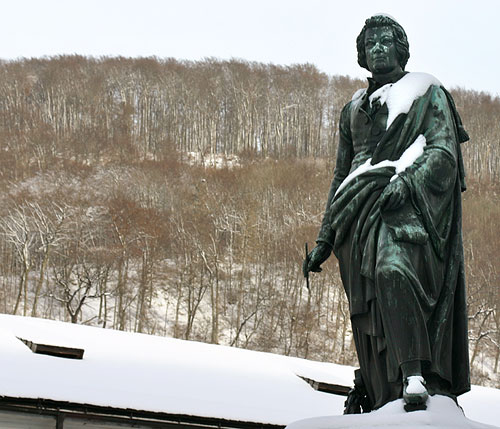 The Mozart memorial in snow