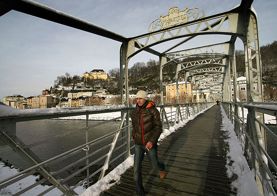 The Mozartsteg bridge in Salzburg on a winter day